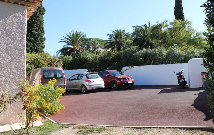 Location de vacances - Villa à Saint-Tropez - Parking