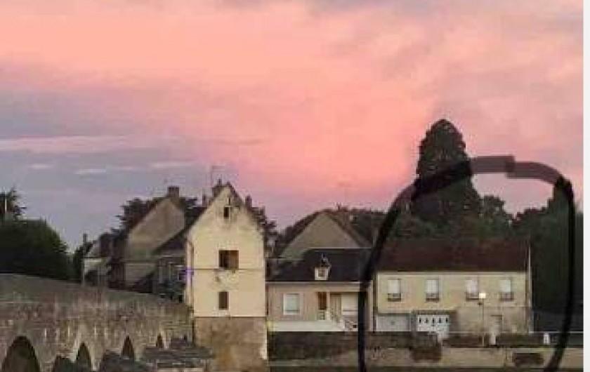 Location de vacances - Gîte à Faverolles-sur-Cher - Visuel du coté ville sur le gîte de la Plage