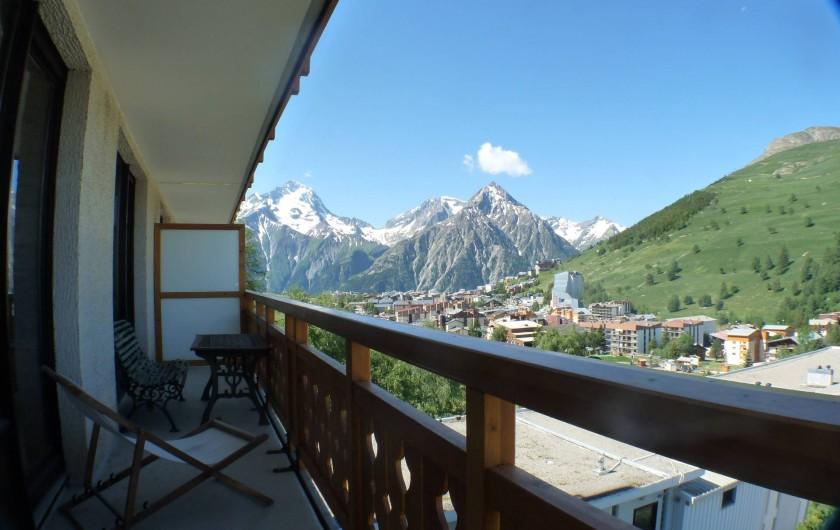 Location de vacances - Appartement à Les Deux Alpes - grand balcon au soleil dés11h  jusqu'au coucher