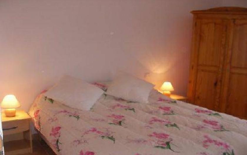 Location de vacances - Villa à Roche-Saint-Secret-Béconne - L'une des chambres pour des nuits paisibles!