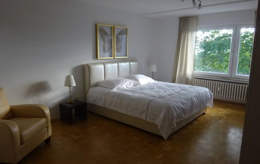 Location de vacances - Appartement à Linz - Salle à coucher no. 1 Avec accès directe à la terrasse