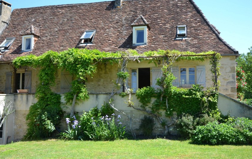 Location de vacances - Gîte à Sainte-Mondane - Facade du gite