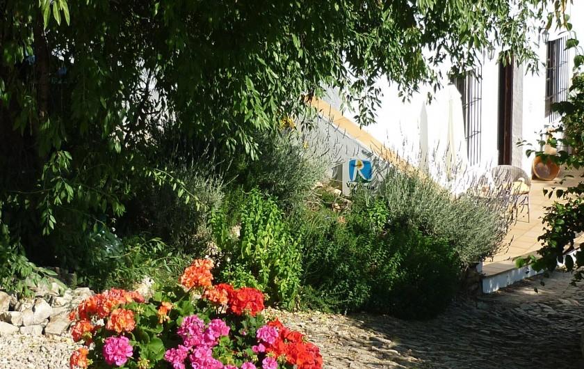 Location de vacances - Gîte à Fuentes de Cesna - L' entrée pavée de Cortijo las Rosas