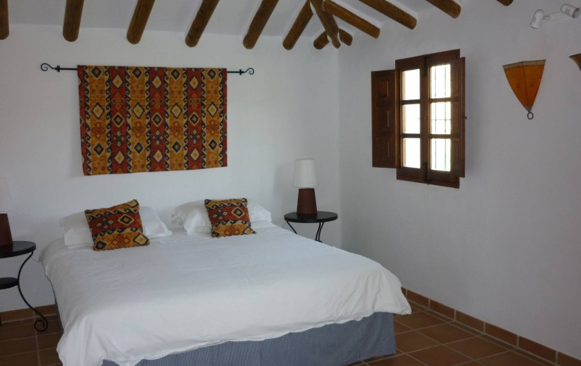 Location de vacances - Gîte à Fuentes de Cesna - La chambre principale de Casita Perdiz