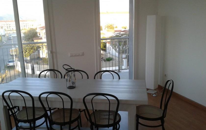 Location de vacances - Appartement à Empuriabrava - salle a manger