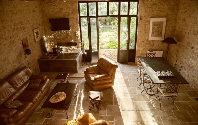 Location de vacances - Gîte à Saint-Rabier - Vue sur el séjour du 1er étage