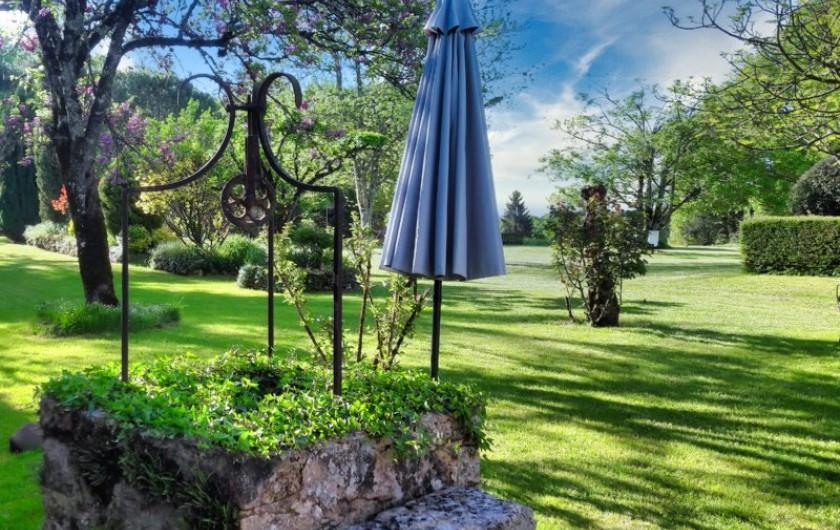 Location de vacances - Chambre d'hôtes à Saint-Crépin-et-Carlucet - parc paysagé d'un hectare