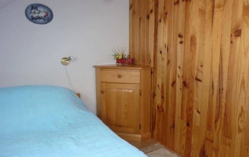 Location de vacances - Appartement à Saint-Sorlin-d'Arves - Chambre 2 niveau haut du duplex lit 140cm