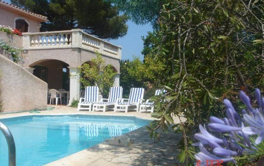 Location de vacances - Villa à Saint-Aygulf - Abords de la piscine