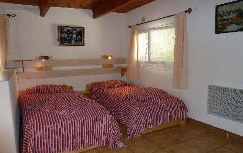 Location de vacances - Villa à Pernes-les-Fontaines - coin nuit