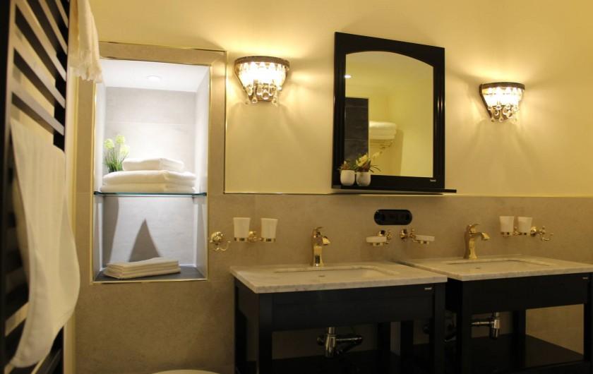Location de vacances - Appartement à Bad Ems - Salle de bain style rétro