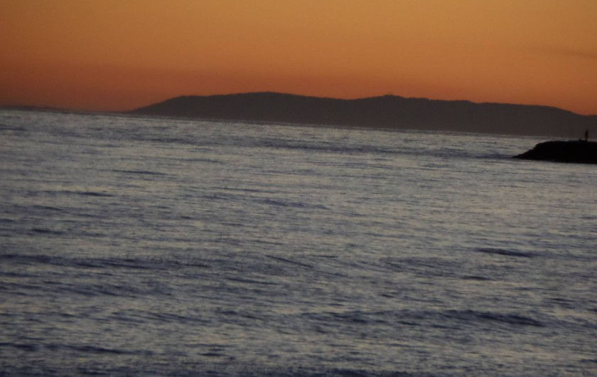 Location de vacances - Appartement à Marbella - The coast of Africa as sun goes down.