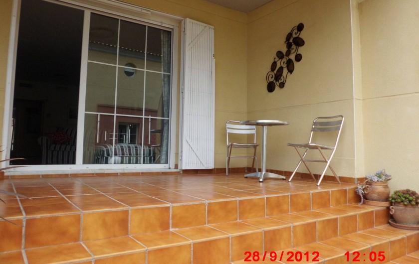 Location de vacances - Appartement à Marbella - Top terrace looking into lounge.