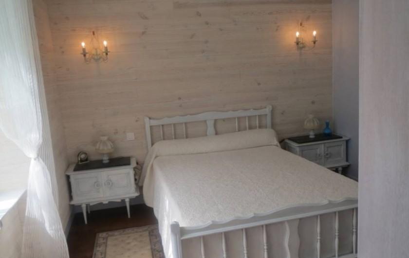 Location de vacances - Gîte à Alrance - Chambre 2 coté terrasse