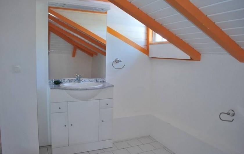 Location de vacances - Villa à Sainte-Anne - SALLE DE BAIN ÉTAGE  FOUFOU