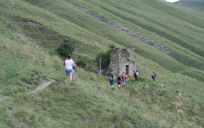 Location de vacances - Chalet à Mizoën - groupe de randonneurs