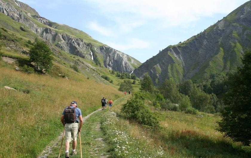 Location de vacances - Chalet à Mizoën - sentier de randonnées