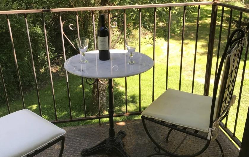 Location de vacances - Maison - Villa à Payrac - Accès au petit balcon de la chambre