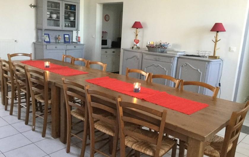 la salle à manger gîte Les Prés Salés