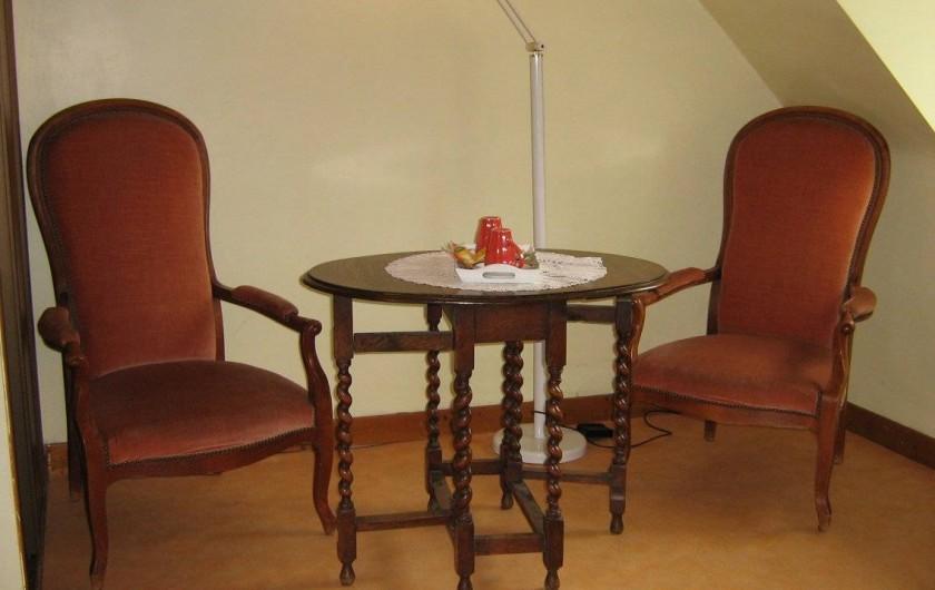 Location de vacances - Chambre d'hôtes à Plouguiel - coin salon Fous de Bassan