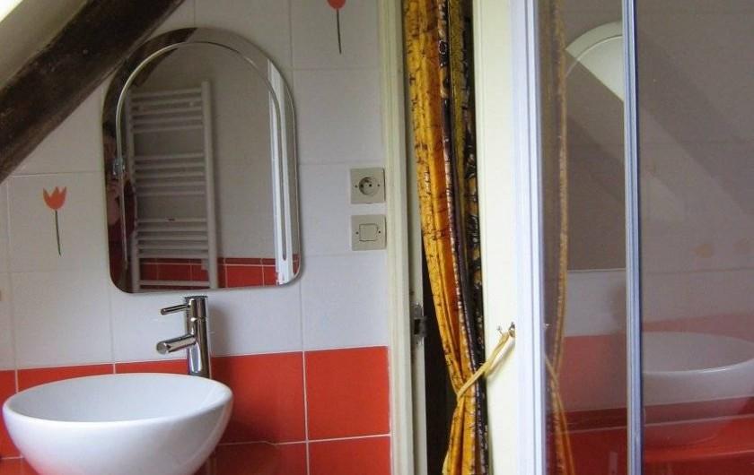 Location de vacances - Chambre d'hôtes à Plouguiel - Salle d'eau et wc Fous de Bassan