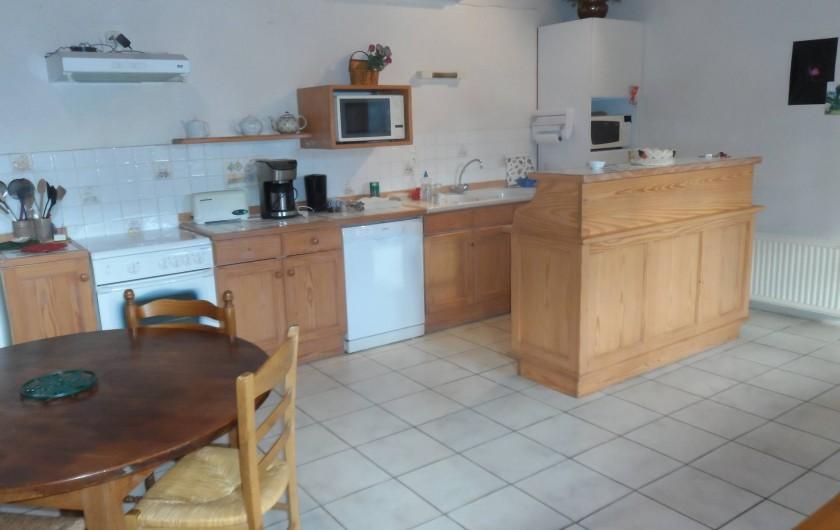 Location de vacances - Chambre d'hôtes à Plouguiel - la cuisine