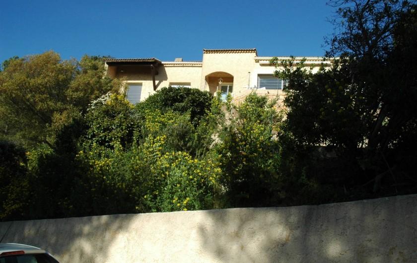 Location de vacances - Appartement à Hyères - Devant la maison