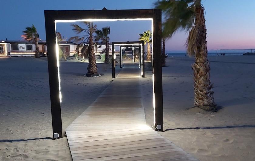 Location de vacances - Chalet à Agde - balade sur le bord de plage   rochelongue