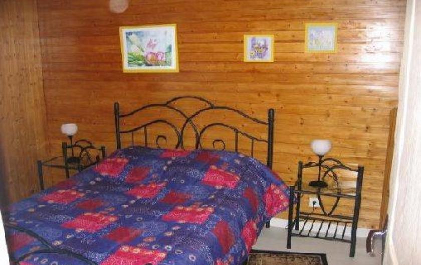 Location de vacances - Appartement à Gérardmer - 1°chambre avec un lit de 140 * 190