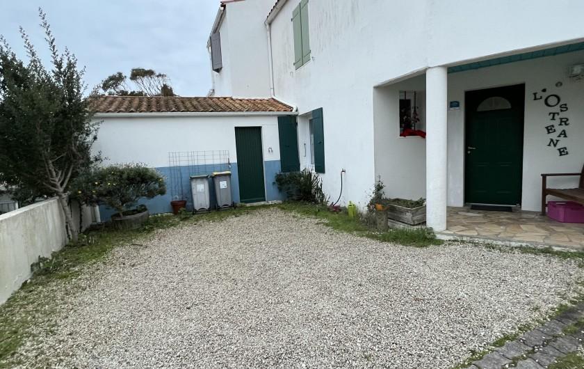 Location de vacances - Villa à Rivedoux-Plage - Un salon confortable et intime.