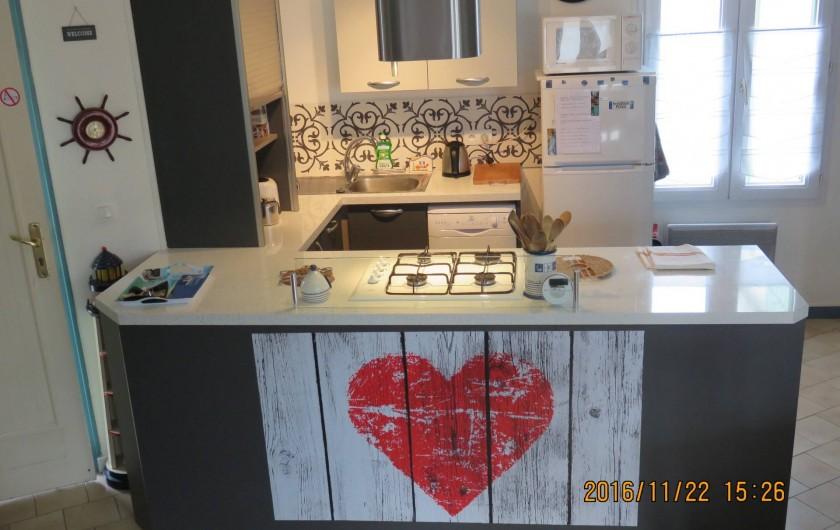 Location de vacances - Villa à Rivedoux-Plage - Chambre 1 : un beau lit 180 x 200 avec draps fournis.