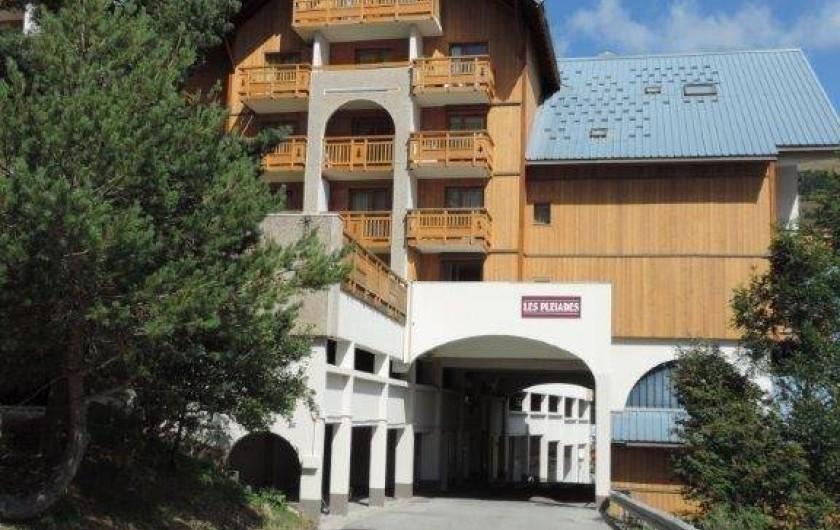 Location de vacances - Studio à Les Deux Alpes - Arrivée à la résidence par la route principale