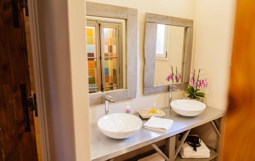 Location de vacances - Chambre d'hôtes à Lacoste - La Capitelle