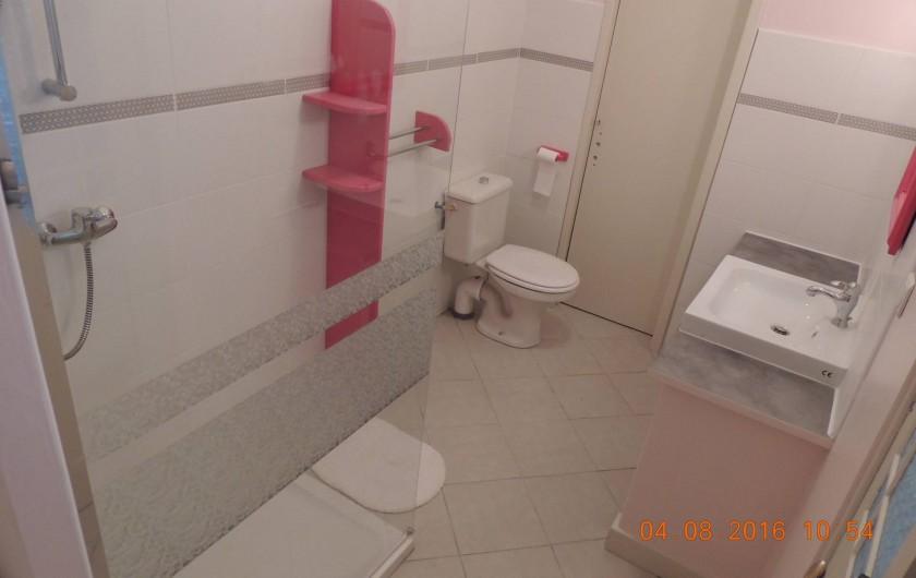 Location de vacances - Maison - Villa à La Palme - Salle d'eau du rez de chaussée.