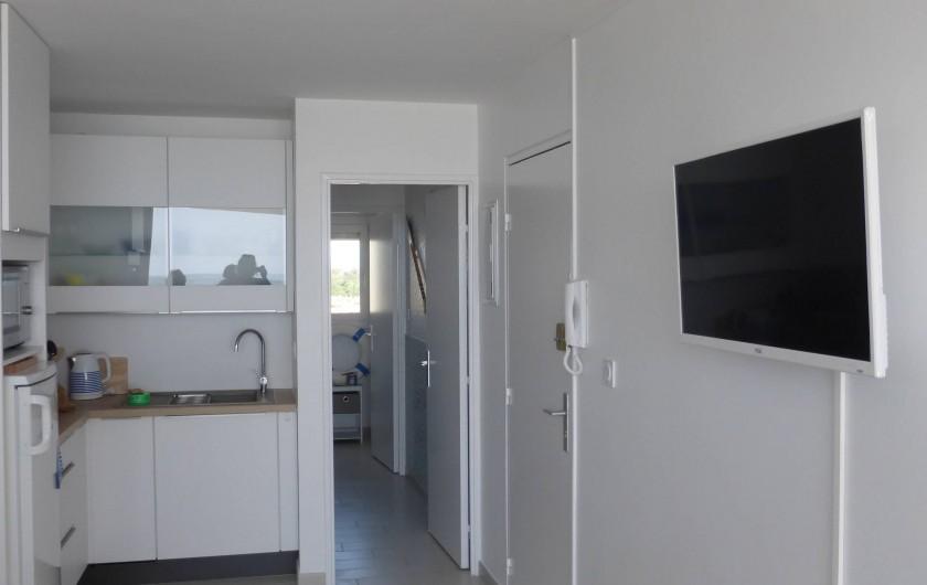 Location de vacances - Appartement à Canet-en-Roussillon - Ecran plat 80 cm face au lit