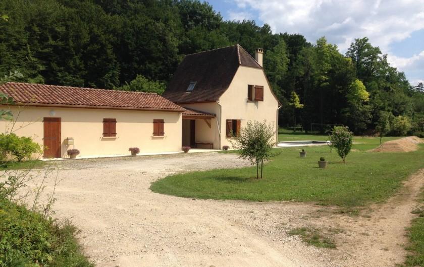 Location de vacances - Maison - Villa à Saint-Amand-de-Coly - entrée