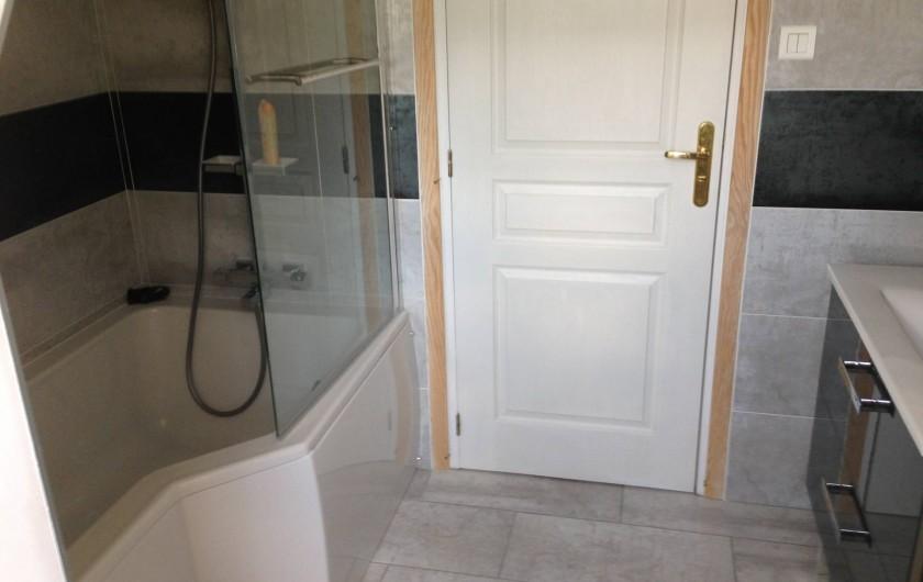 Location de vacances - Maison - Villa à Saint-Amand-de-Coly - salle de bain