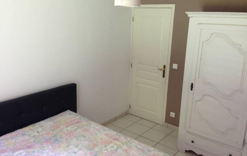 Location de vacances - Maison - Villa à Saint-Amand-de-Coly - chambre 1