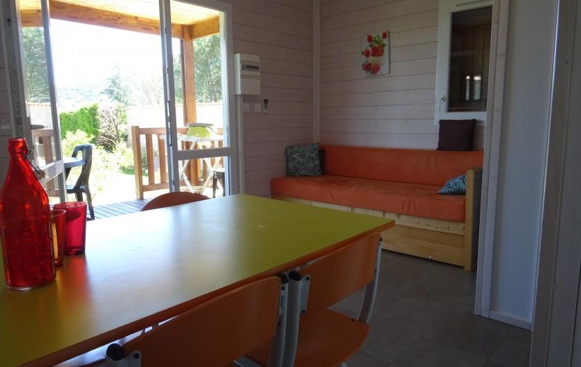 Location de vacances - Gîte à Ruoms - séjour chalet chardonnay 4/6p