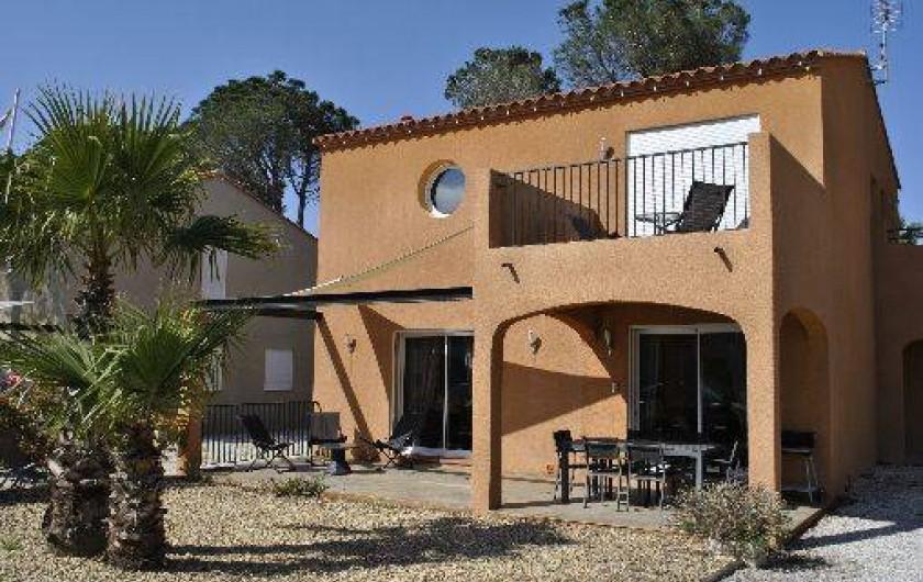 Location de vacances - Appartement à Argelès-sur-Mer - vue extérieure de la villa