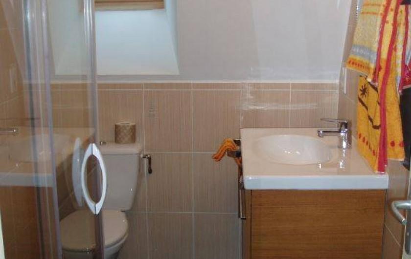 Location de vacances - Gîte à Saint-Pierre-de-Nogaret - Salle d'Eau et WC