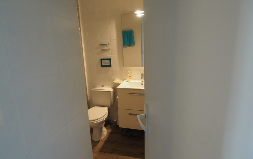 Location de vacances - Studio à Hyères - Salle d'eau & wc