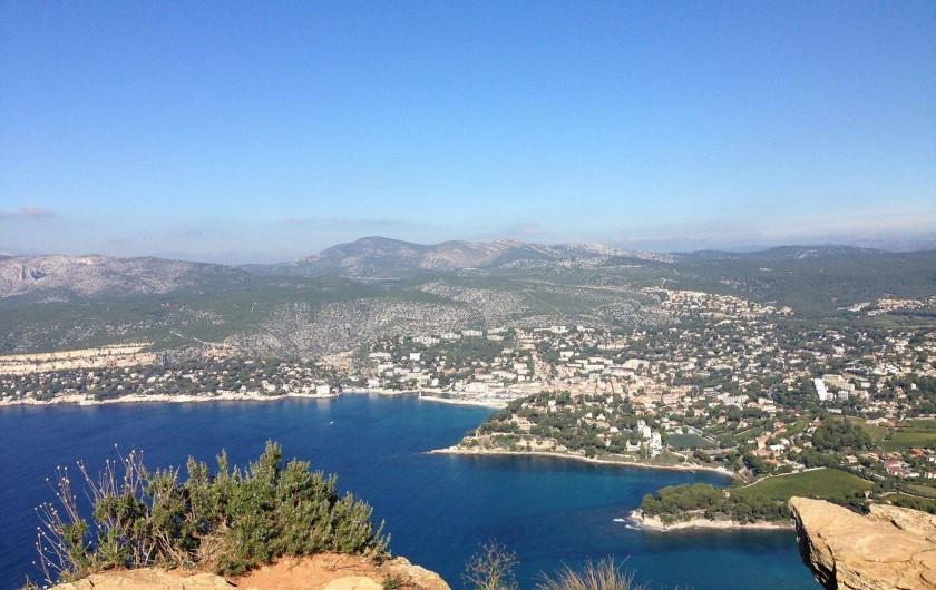 Location de vacances - Appartement à Cassis - Vue prise sur le Cap Canaille de Cassis