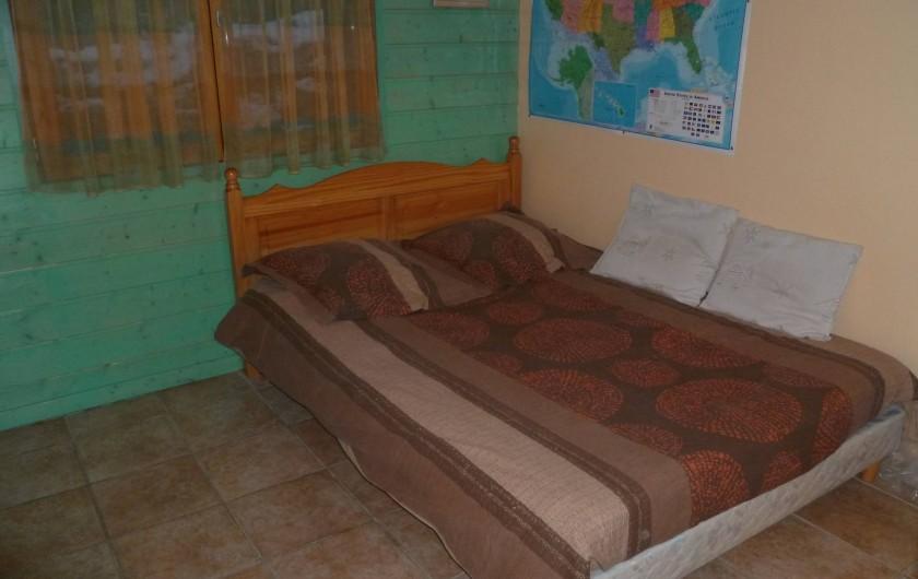 Location de vacances - Chalet à Theys - chambre #1 rdc
