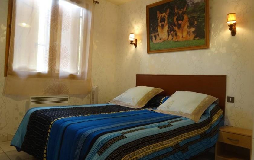 Location de vacances - Gîte à Auriac-du-Périgord - Lit 140/190 chambre de gauche