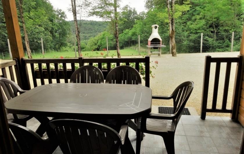 Location de vacances - Gîte à Auriac-du-Périgord - Barbecue