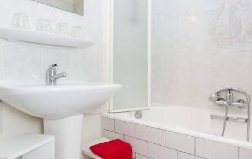 Location de vacances - Gîte à Bussang - salle de bain