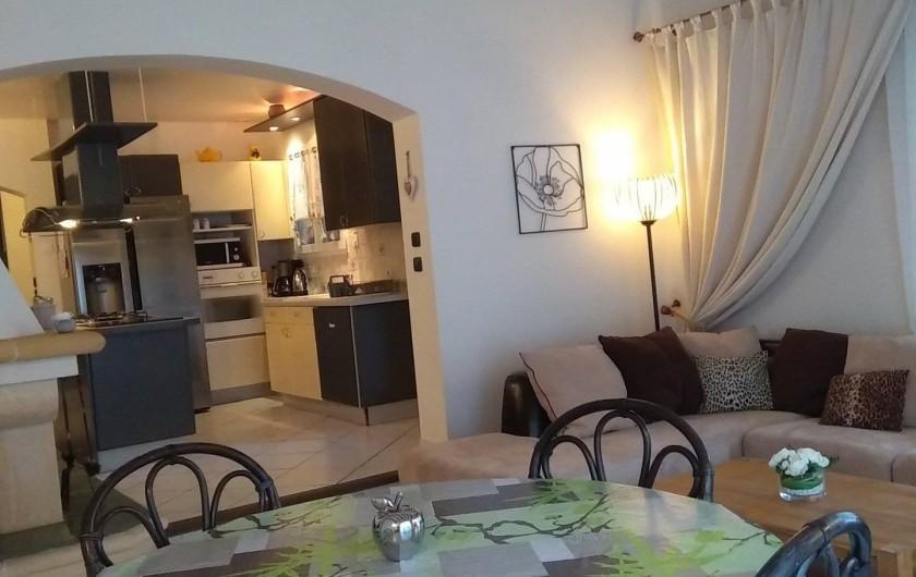 Location de vacances - Villa à Solliès-Toucas - LA CUISINE A L'AMERICAINE.