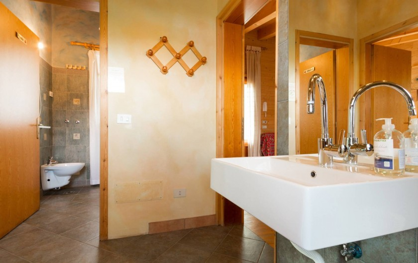 Location de vacances - Chambre d'hôtes à Cesiomaggiore - bagno e antibagno depandance