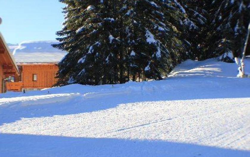 Location de vacances - Chalet à Valmorel - CHALET EN BORD DE PISTE DE SKI